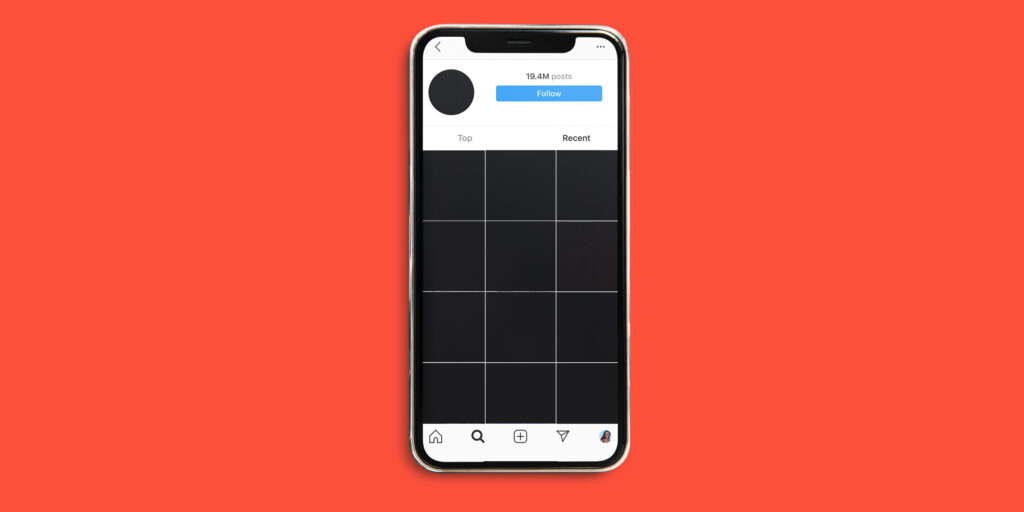 Cellulaire montrant le hashtag Blackout Tuesday sur Instagram